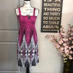 💕NWT Beautiful Pink Black White Summer Dress💕